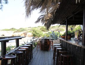 karavi-beach-bar-2-img_0300